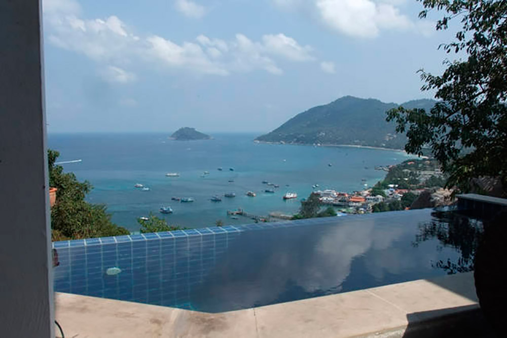 2 bedrooms with private swimming pool and amazing seaview